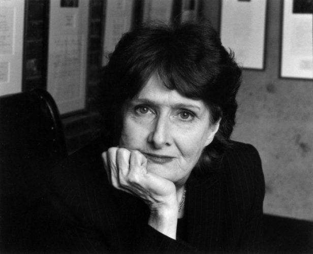Una donna dipinta su una foglia. Per Eavan Boland (1944-2020)